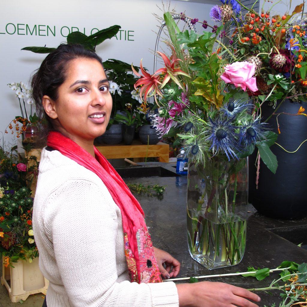 Anchela geeft bloemen-tips: Hoe blijft je boeket zo lang mogelijk mooi.